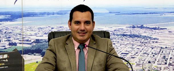 O vereador Presidente Solivan Fonseca solicitou junto as Secretarias do município de Campo Verde para disponibilizar curso de capacitação de Libras – Língua Brasileira de Sinais para todos os servidores.