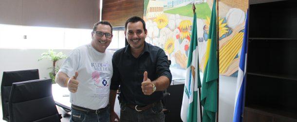 Vereador Presidente recebeu na manhã de hoje Joel Goes membro do Barra Mamma com intuito de firmar parcerias para implantar CV Mamma e Rede Mulheres em Campo Verde.